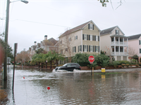 Can atmospheric patterns help predict coastal flooding?